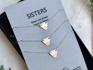 Sisters jewelry packaging sample.